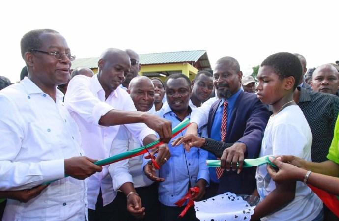 Haïti-Economie : Jovenel Moïse inaugure un micro-parc industriel dans le Sud