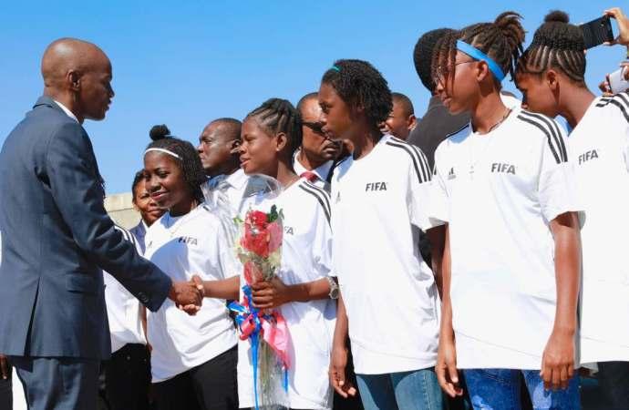 Jovenel Moïse promet de prendre en charge la sélection féminine U-20
