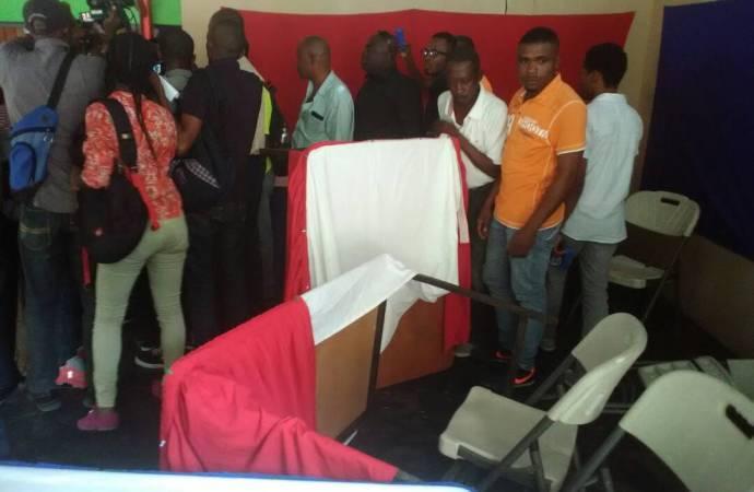 Des partisans de Pitit Dessalines et de Fanmi Lavalas à couteaux tirés