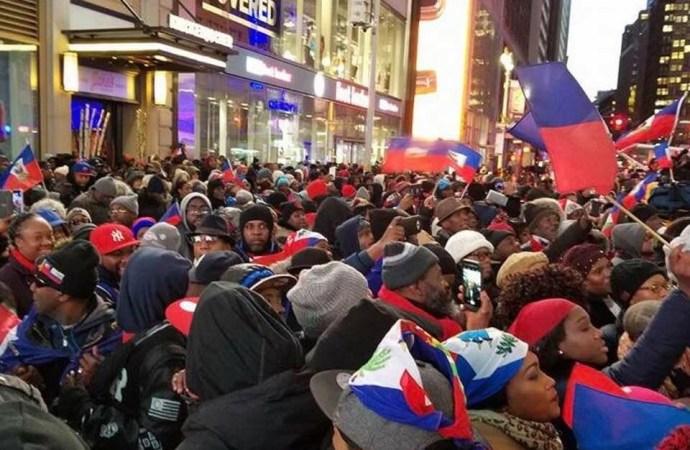 des centaines de milliers. d'Haïtiens manifestent à Times Square contre le racisme