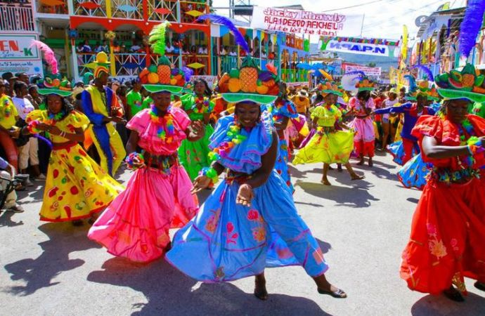 Haïti-Carnaval: Une première journée émaillée de failles
