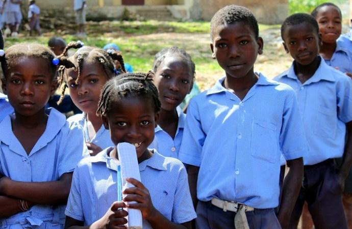 Rentrée des classes: les enfants des quartiers populaires seront assistés, promet Jovenel Moïse