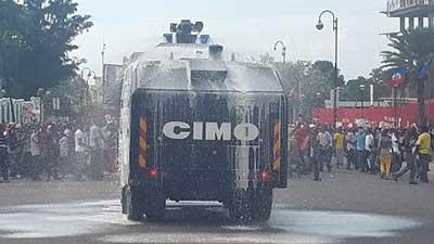 PetroCaribe : des manifestants s'en prennent aux biens privés