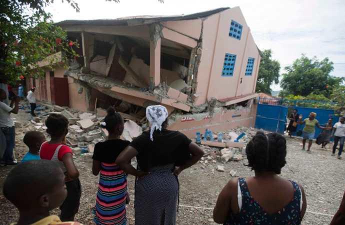Haïti-Séisme : le bilan officiel passe à 15 morts, 333 blessés