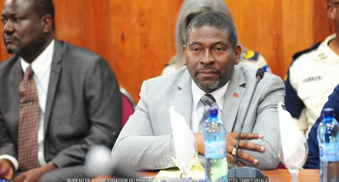 Que fait Reynaldo Brunet au ministère de l'Intérieur ?