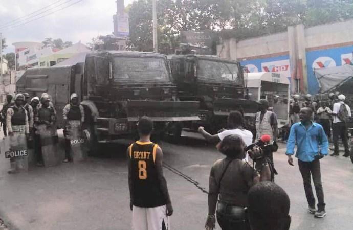 Manifestation dispersée à coup de gaz lacrymogène, l'opposition rate son objectif