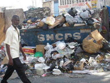 Amoncellement de détritus: où sont les autorités municipales?
