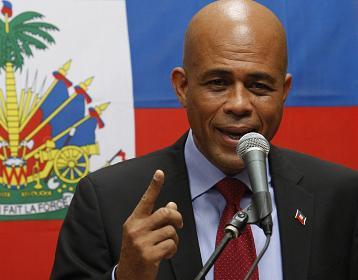 Arrêtez de bluffer la population, Michel Joseph Martelly  s'adresse à l'opposition .