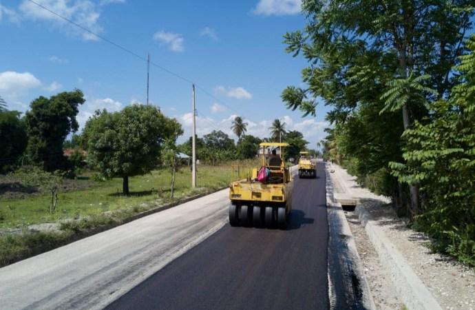 Des travaux de construction de routes s'effectuent un peu partout dans le pays!