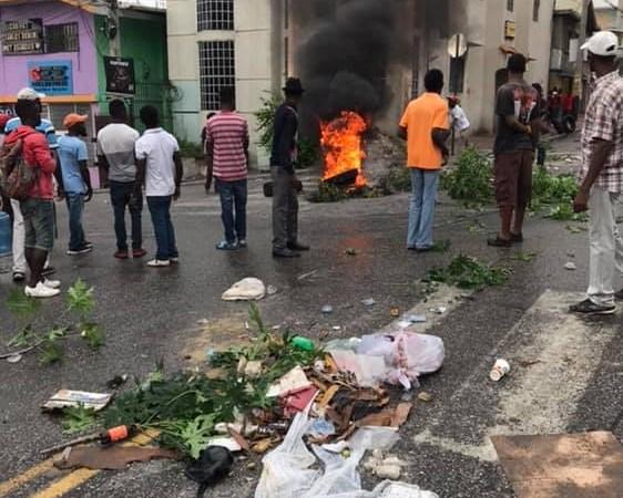 Un policier tué par balles, des habitants de Canapé-Vert s'indignent