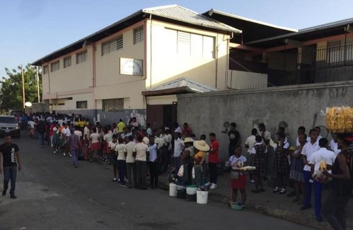 Examens officiels: Les candidats de la 9e année gagnent leur centre d'examens