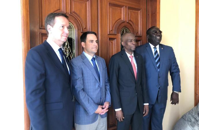 Haïti-Crise: la délégation de l'OEA arrive et s'entretient avec Jovenel Moïse