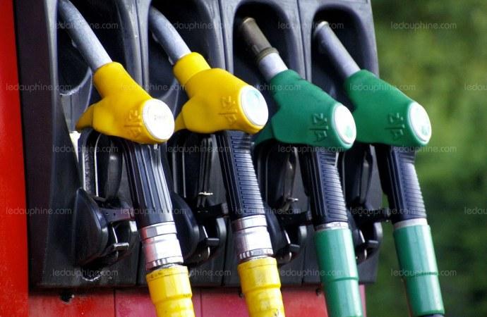 Il n'y aura pas de rareté de carburant, rassure le gouvernement