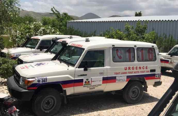 Le réseau ambulancier de l'Artibonite désormais doté de 9 nouvelles ambulances