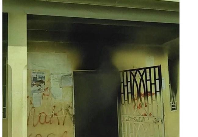 Le tribunal de paix de Jacmel incendié