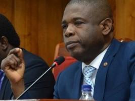«Les députés partent en vacances,le Sénat reste en éveil constant et attentif», garantit Cantave