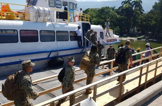 Les médecins et militaires du navire-hôpital USNS Comfort séjournent jusqu'au 13 novembre en Haïti