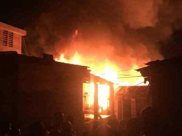 Bel-air: Huit maisonnettes détruites dans les flammes
