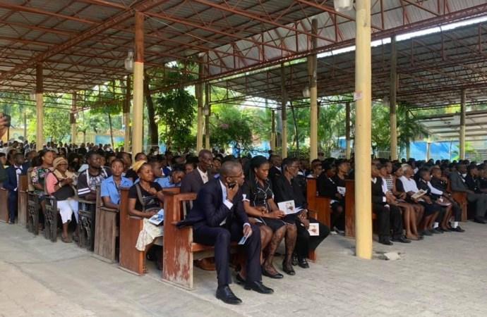 Haïti-Nécrologie: parents et amis rendent un dernier hommage à Tòm Malè