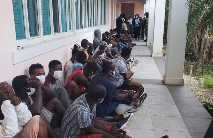 Bahamas: la communauté haïtienne méprisée, humiliée, écrit au président Jovenel Moïse