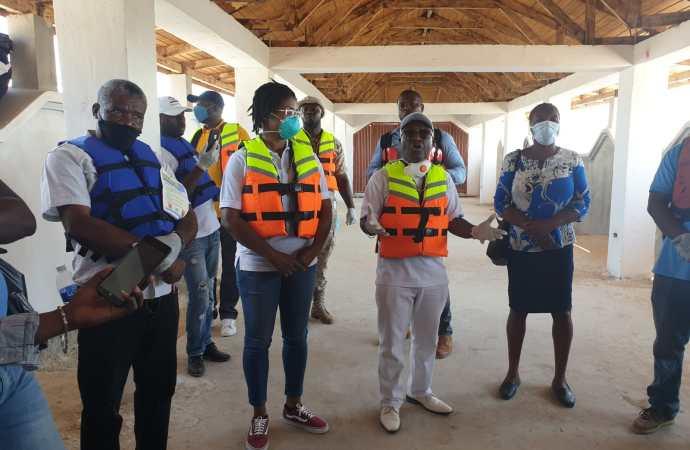 Coronavirus : Le directeur du SEMANAH en visite aux ports de Carriès et Anse-à-Galets