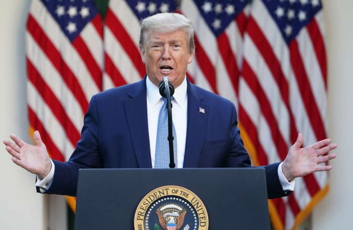 Coronavirus: Donald Trump annonce qu'il va «suspendre» toute immigration vers les Etats-Unis