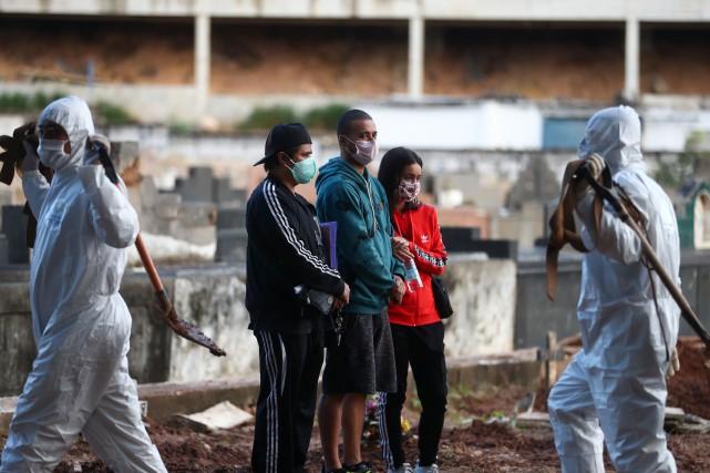 COVID-19: le Brésil proche des 150000cas et 10000morts