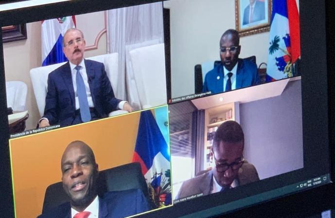 Covid-19: les président haïtien et dominicain s'entretiennent pour la première fois