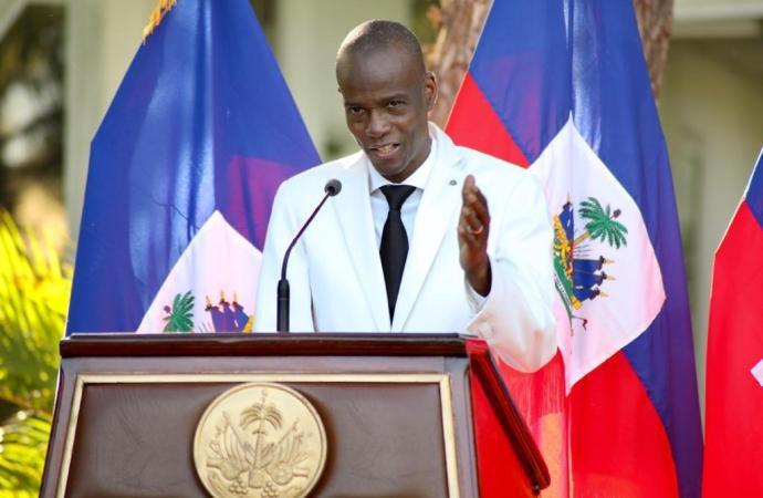 Commémoration de la fête du drapeau : Jovenel Moïse s'identifie comme un président pris au piège