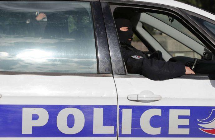 Prison ferme pour deux policiers après l'arrestation illégale d'un réfugié