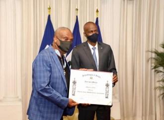 Jovenel Moïse a honoré Shoubou pour ses 52 ans consacrés au Compas