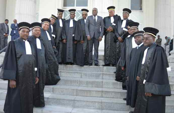 La cour de cassation reporte la prestation de serment des membres du CEP