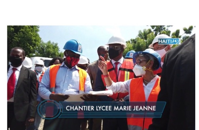 Visite d'inspection de Joseph Jouthe sur des chantiers en cours
