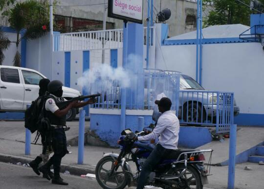 Manifestation policière : Des membres du SPNH font usage d'armes à feu, la PNH ouvre une enquête