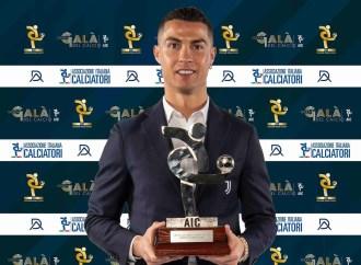 Ronaldo élu meilleur footballeur de 2020 en Italie