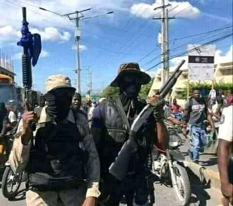 « Fantôme 509 » aboie mais ne mord pas et exige la restitution des cadavres des policiers tués