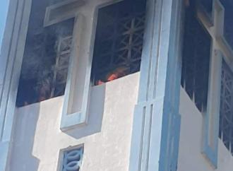 L'église catholique de Belladères est en feu !!!