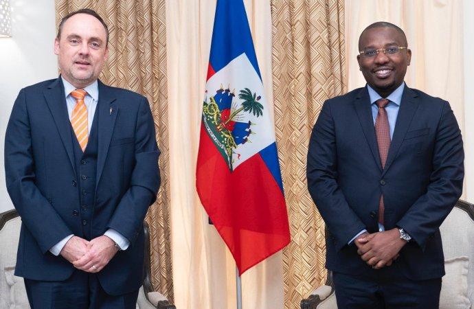 Claude Joseph discute des élections avec le FNUAP