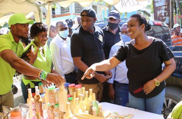 Cap-Haïtien : La Première dame, Martine Moïse, à la Foire de l'Agriculture et du Travail