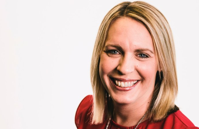 AstraZeneca : Lisa Shaw, journaliste-présentatrice chez BBC est morte des complications survenues après sa vaccination