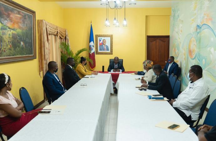Insécurité : Le Premier ministre a.i, Claude Joseph, en réunion avec des organismes de défense des droits humains