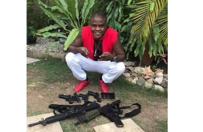 Exhibant des armes de guerre, les membres du gang G9 se disent prêts pour la révolution