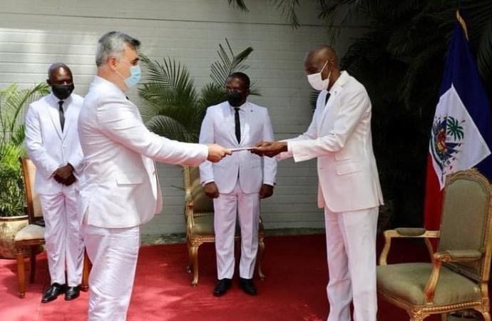Jovenel Moïse a reçu les lettres de créance de l'ambassadeur de la Fédération de Russie en Haïti