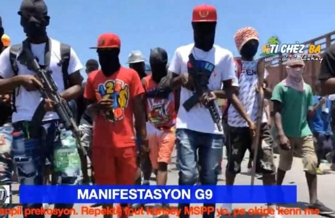 « G9 an fanmi » manifeste dans les rues de la capitale, accompagné des habitants de quartiers populaires