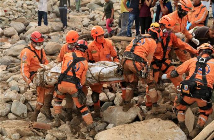 Séisme : des sauveteurs colombiens menacés et évacués d'urgence de Jérémie