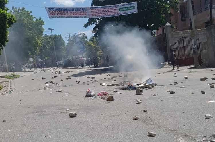 Haiti announces temporary ban on weapons