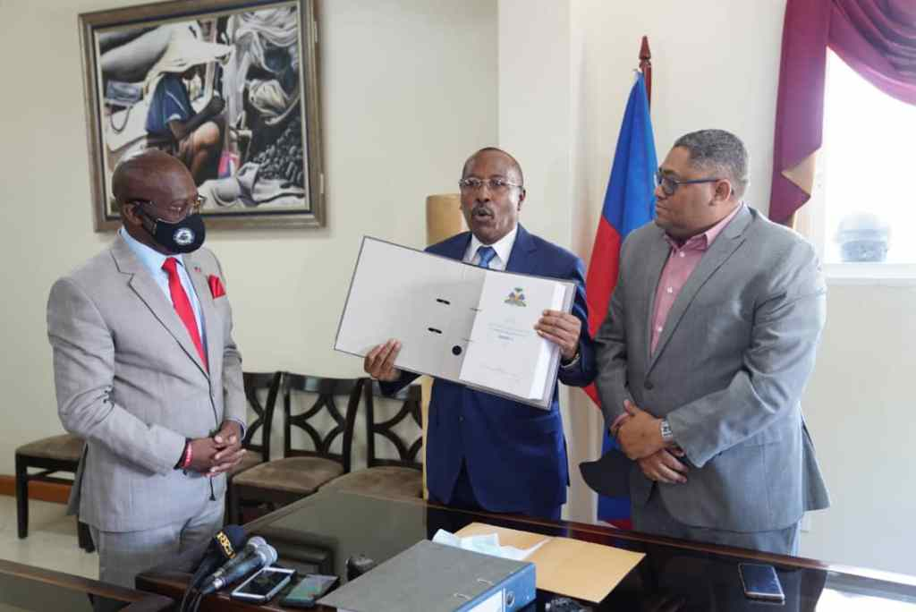 Petro Caribe reports turned over to Haiti's Prime Minister