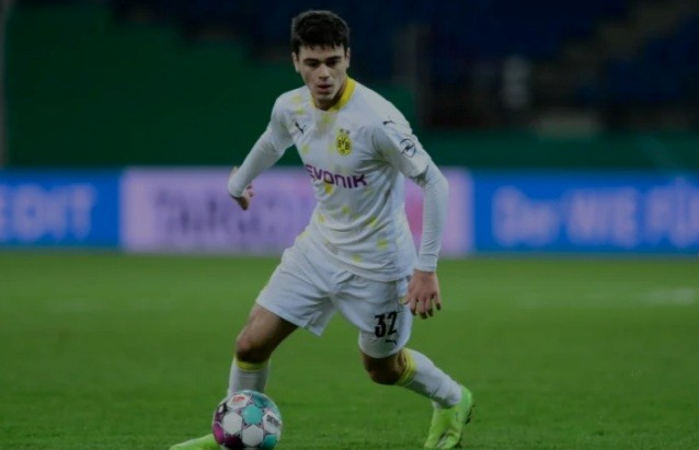 Borussia Dortmund star Gio Reyna wins US Soccer's Young Male Player of the Year award