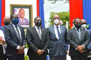 State officials and leaders pay tribute to Moïse