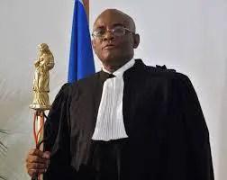 Haïti: Protestation policière: l'Ordre des avocats de Port-au-Prince condamne la tentative d'incendie du Cabinet Madistin 1